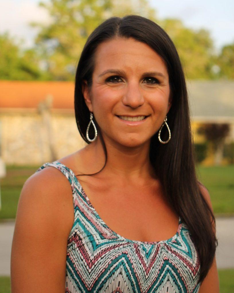 Welcome Registered Dietitian Nutritionist Carla Defuria